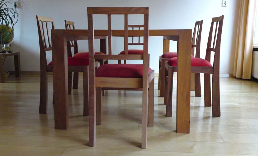 Tafel met stoelen perenhout